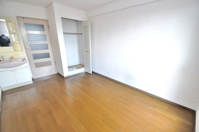 ブルーメンハウス 白を基調とした内装でおしゃれで、落ち着ける空間です。