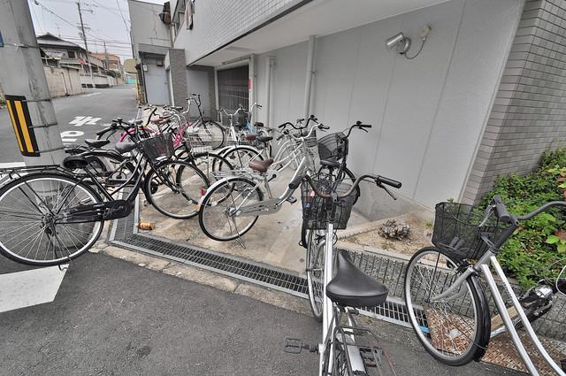 サイレストSB 敷地内には専用の駐輪スペースもあります。