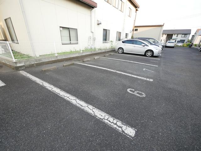 アクティブ石川駐車場