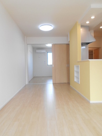 https://image.rentersnet.jp/a0a8b023-9d57-40a8-a883-959d9a88b615_property_picture_3521_large.jpg_cap_居室