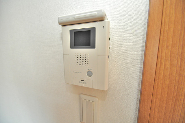 グランドール北巽 モニター付きインターフォンでセキュリティ対策もバッチリ。