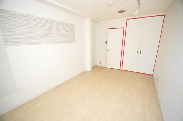 OMレジデンス八戸ノ里 白を基調としたリビングはお部屋の中がとても明るいですよ。