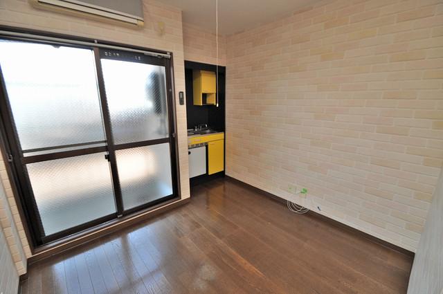 トマトハイツ菱屋西 陽当りの良いベッドルームは癒される心地良い空間です。