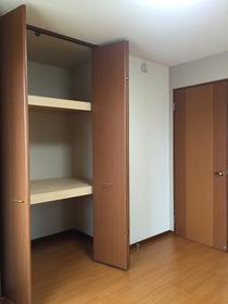 https://image.rentersnet.jp/a1254f24daa2382855295e0386f308a4_property_picture_1993_large.jpg_cap_居室