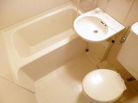 洗面台付の二点ユニットです