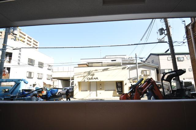 スタシオン俊徳道 この見晴らしが陽当たりのイイお部屋を作ってます。