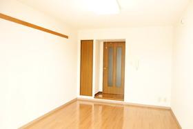 https://image.rentersnet.jp/a1c1cd98-6c13-464e-b903-7b3963039e04_property_picture_1992_large.jpg_cap_居室
