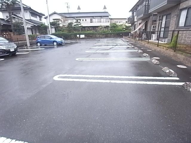 ピュア A駐車場