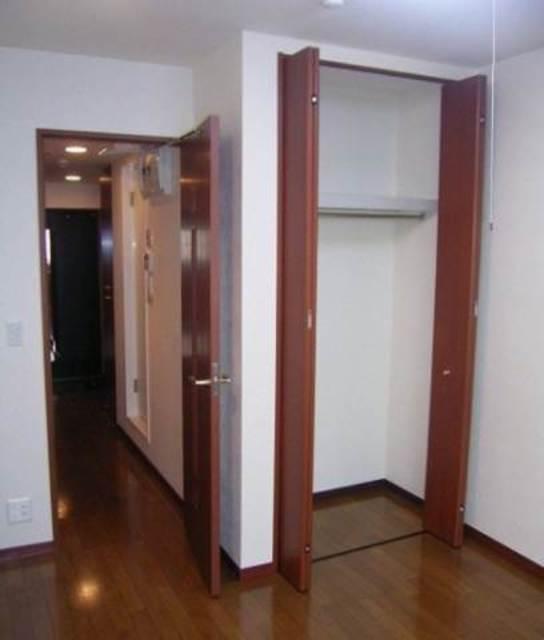 日本橋駅 徒歩5分居室