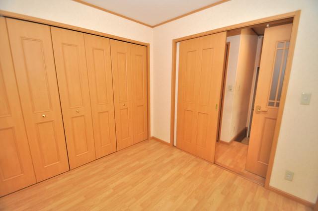 ジャルディーノ弐番館 朝には心地よい光が差し込む、このお部屋でお休みください。