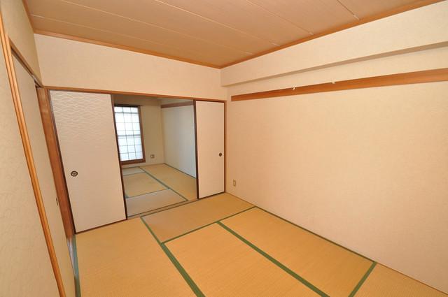 プラムガーデンハイツ 癒しの和室が2間もあります。