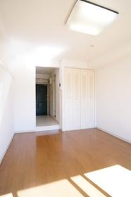 https://image.rentersnet.jp/a2894592-c0af-4477-b6e1-c3f41de3b4d4_property_picture_962_large.jpg_cap_居室