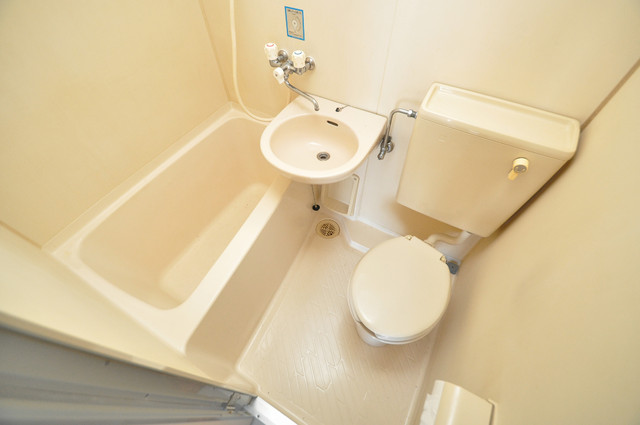 シティハイツ布施 お風呂・トイレが一緒なのでお部屋が広く使えますね。