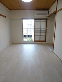 https://image.rentersnet.jp/a2b97eec-e8dc-43d8-9ea6-e32bdf9a68dc_property_picture_2418_large.jpg_cap_居室