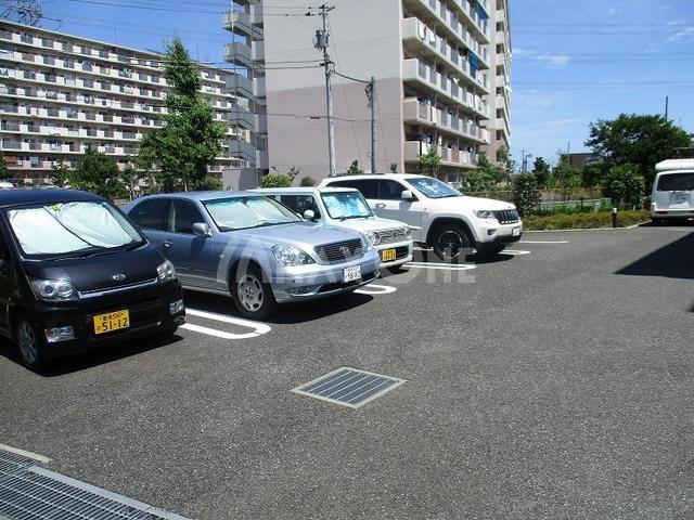 ラフィネプランス駐車場