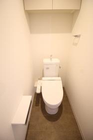 https://image.rentersnet.jp/a2ef1352-7908-47b9-a1e6-e3a9dd076db2_property_picture_2418_large.jpg_cap_トイレ