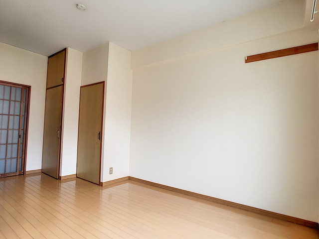 https://image.rentersnet.jp/a30e35b8-5705-4bf5-9f7e-9a7bd3d2855a_property_picture_3193_large.jpg