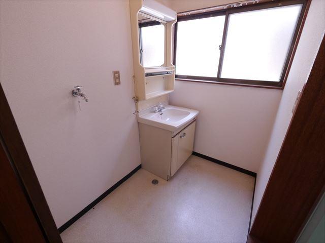 斉藤アパート洗面所