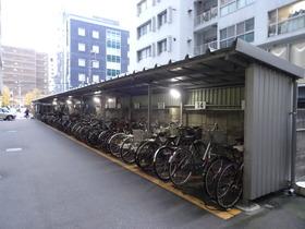 https://image.rentersnet.jp/a31c5d8e9cd1d882e40cbc2ee87e98af_property_picture_2418_large.jpg_cap_駐輪場