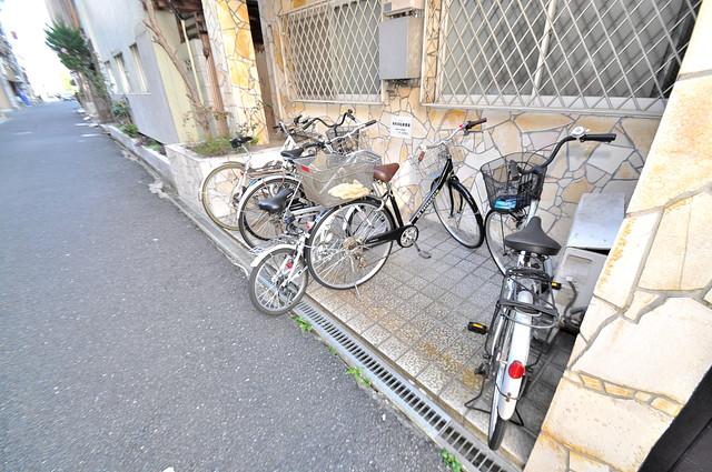 大宝菱屋西CTスクエア 駐輪場が敷地内にあります。愛車を安心して置いておけますね。
