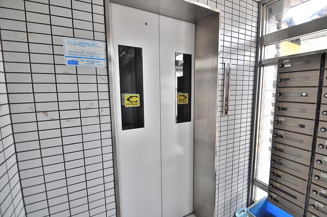 ルモン深江南 嬉しい事にエレベーターがあります。重い荷物を持っていても安心