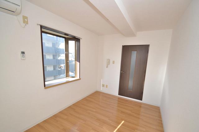 ゴッドフィールド今里 シンプルな単身さん向きのマンションです。