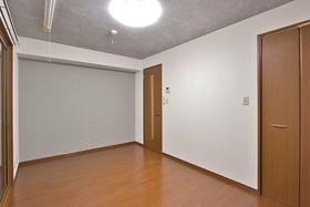 セブンスコート 206号室