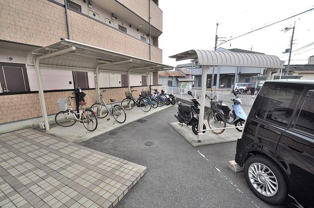 リバーサイド金岡Ⅱ番館 敷地内にある専用の駐輪場。雨の日にはうれしい屋根つきです。