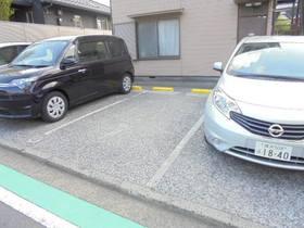 横田荘駐車場