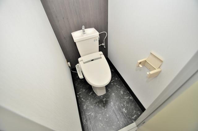 サンライフ若江東 清潔感のある綺麗なトイレにはウォシュレット標準装備です。