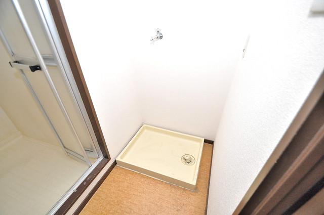 クリスタルアーク 洗濯機置場が室内にあると本当に助かりますよね。
