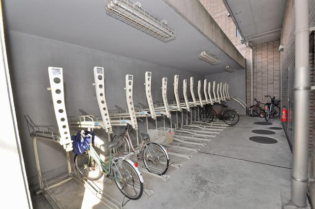 ポルト巽 あなたの大事な自転車も安心してとめることができますね。