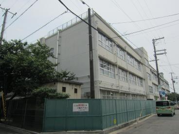 カサ・リヴィーラ 東大阪市立上小阪小学校