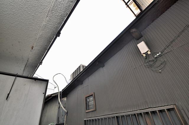 ジョイライフ永和 目の前に建物がありますがこのように日も入ってきます。