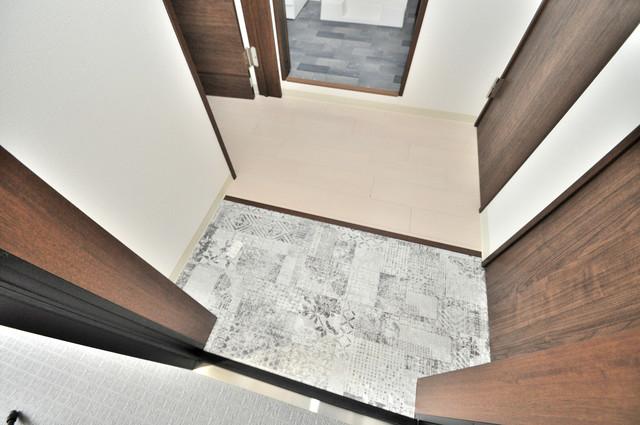 ラモーナ巽北Ⅱ 素敵な玄関は毎朝あなたを元気に送りだしてくれますよ。
