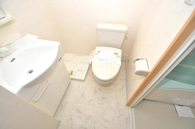 Celeb西上小阪 清潔感のある爽やかなトイレ。誰もがリラックスできる空間です。