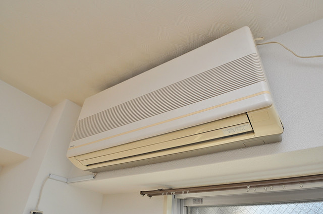 八千代ハイツ エアコンが最初からついているなんて、本当に助かりますね。