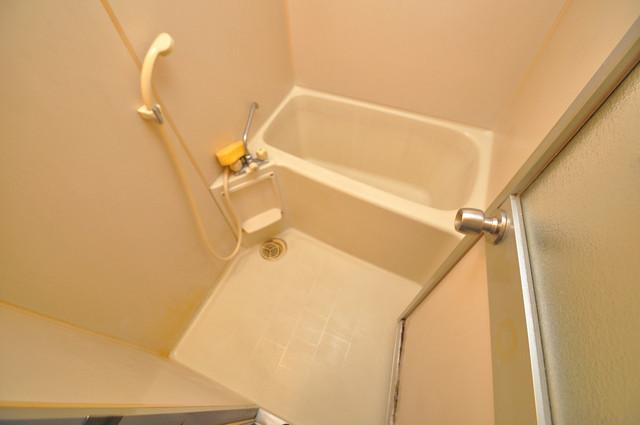 すみれプラザ長堂 ゆったりサイズのお風呂は落ちつける癒しの空間です。