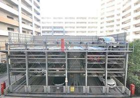 ロイヤルパークス豊洲駐車場