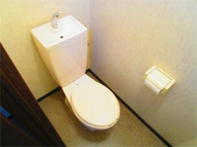 西川ビルトイレ