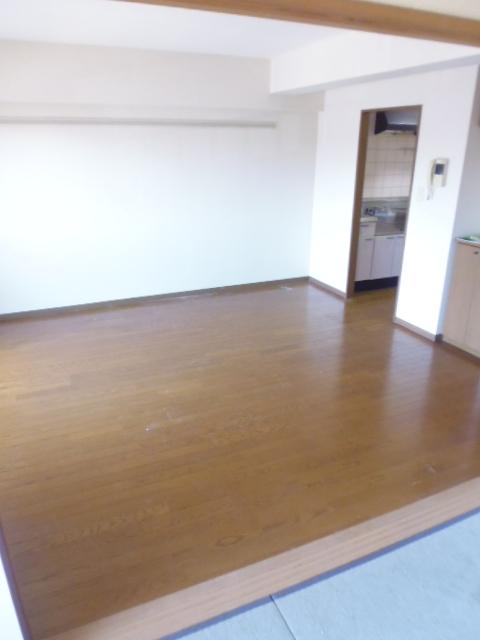 エスペランサ白子壱番館居室