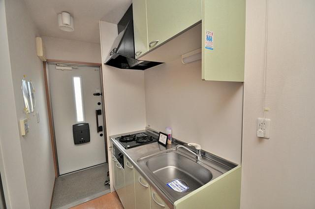 アリエッタ西堤 システムキッチンなので広々使えて、お料理もはかどります。