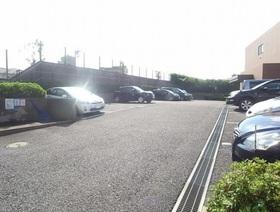 グレイスコート二俣川壱番館駐車場