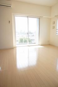 https://image.rentersnet.jp/a71170da56a8d145a224088fac6c7c79_property_picture_961_large.jpg_cap_居室