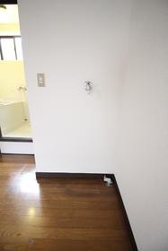 https://image.rentersnet.jp/a7219dc0-47a9-4b1f-9066-f411148a2199_property_picture_1992_large.jpg_cap_洗濯機置場