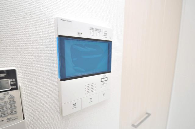 アドバンス大阪フェリシア TVモニターホンは必須ですね。扉は誰か確認してから開けて下さいね
