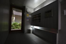深川富岡六番館エントランス