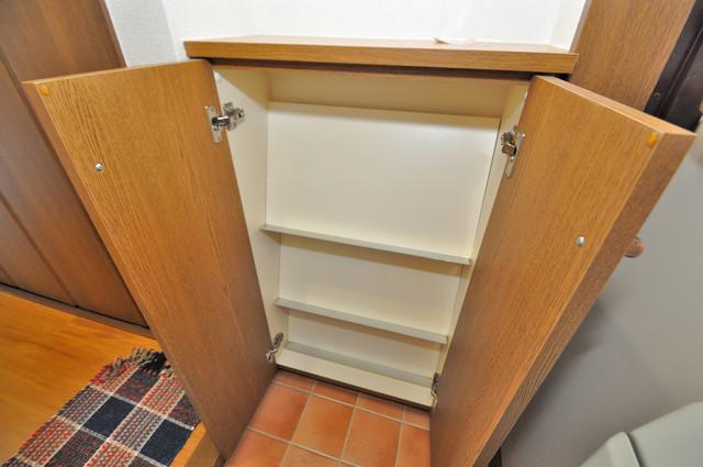 プリムローズHY1 玄関には大容量のシューズボックスがありますよ。
