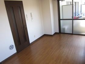 https://image.rentersnet.jp/a76faf32-2745-4297-9e1b-6fe4ecb9c9ab_property_picture_961_large.jpg_cap_居室
