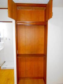 DKの棚と上部収納